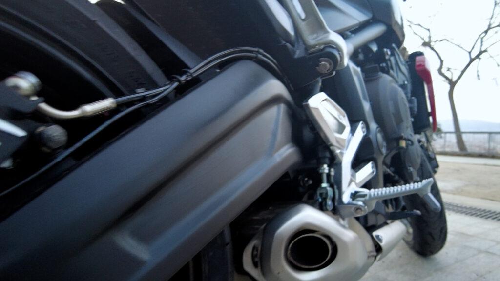 Sonido del tubo de escape de la Triumph Trident 660